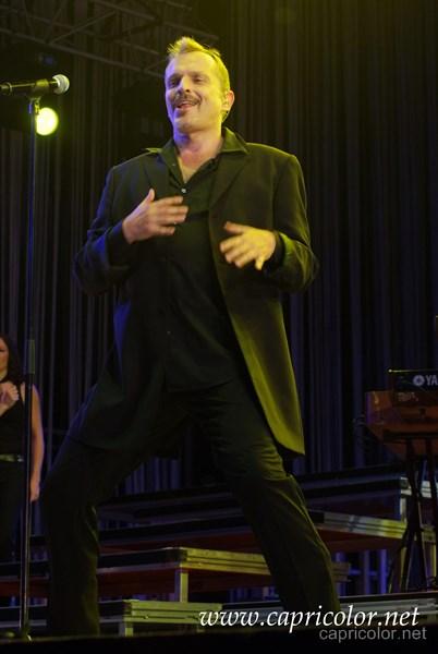 Miguel Bosé - Capricolor